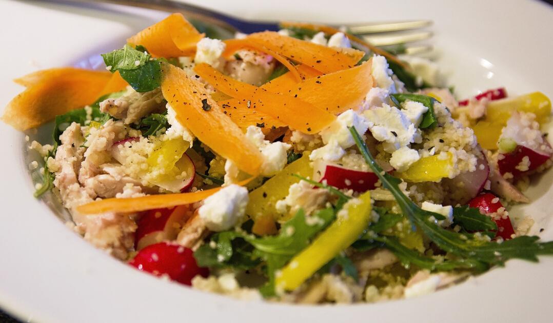蔬方沙拉食材丰富