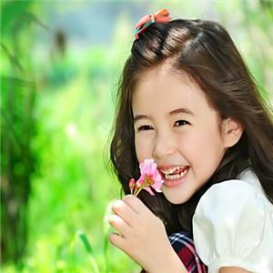 安琪儿儿童摄影花朵