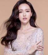 灵莱珠宝模特图片