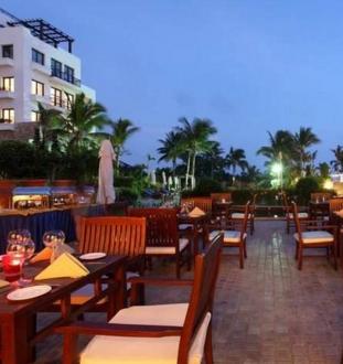 日照愛琴海度假酒店露天餐廳