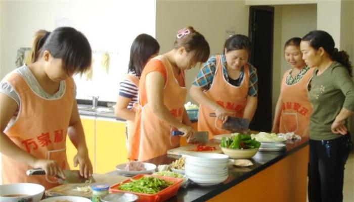 沙井家政做菜