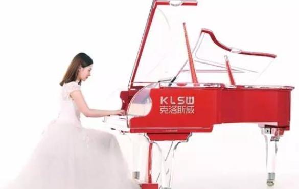 克洛斯威钢琴