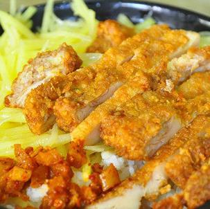 乐语之家卤肉鸡排饭美味