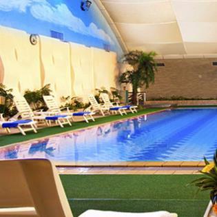 港中旅维景酒店游泳池