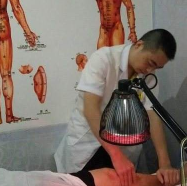 赛华佗一元按摩理疗店热疗