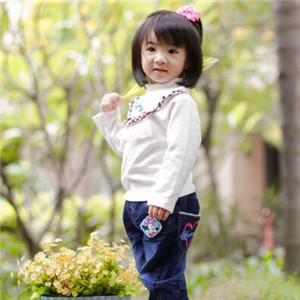 安琪儿儿童摄影白色