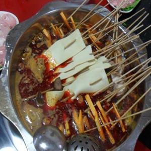 彪记串串香火锅美味
