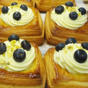 艾蜜思烘焙蓝莓起司蛋糕