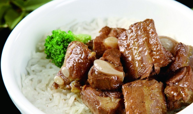 百味坊排骨米饭美味