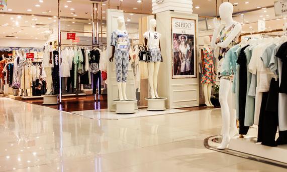 商场卖服装