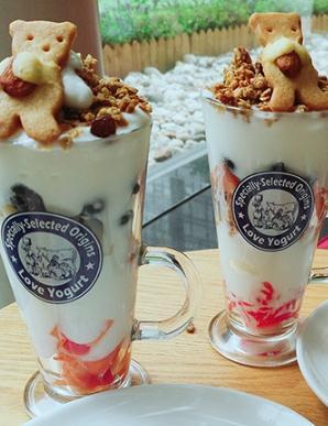 阿秋拉尕酸奶甜腻