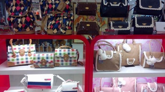 中国娃娃时尚箱包