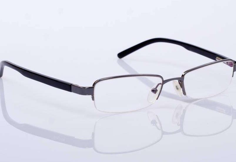丹陽眼鏡半框