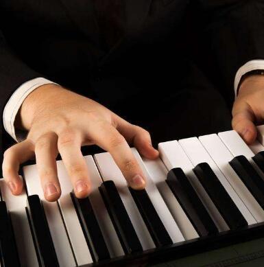 阿米諾鋼琴