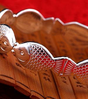 親嘴魚銀飾鐲子