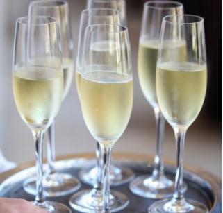 奔越古香酒業香檳