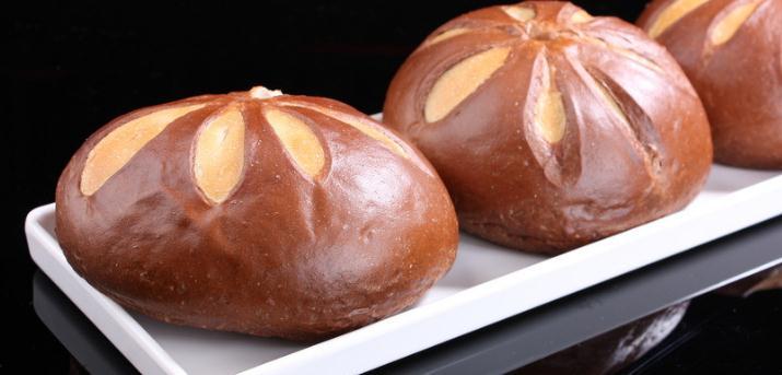紫御国际烘焙巧克力面包