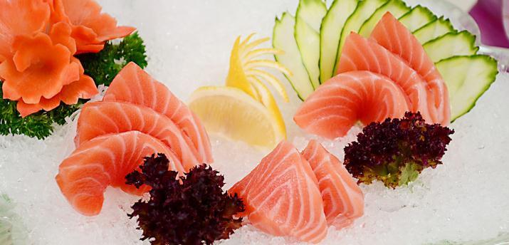 本季月日本料理三文鱼