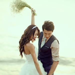 爱相随婚纱摄影