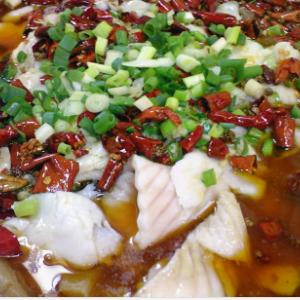 赖子老壇酸菜鱼百味无穷