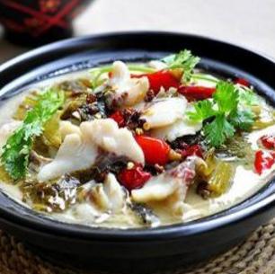 田哥酸菜魚好吃