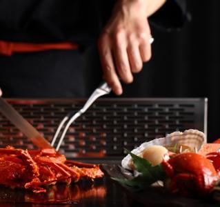 奔厨铁板烧用餐