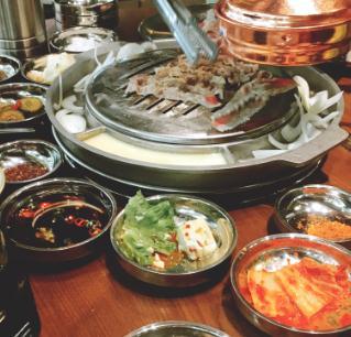 本色本样韩餐厅烤肉