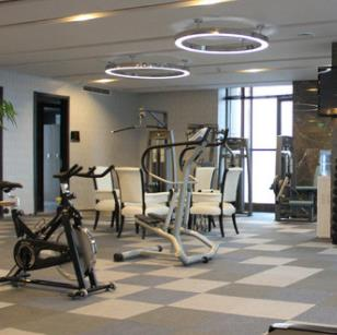 百纳酒店健身房