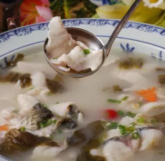 渔当家老坛子酸菜鱼浓汤