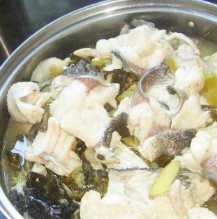 渔墩儿酸菜鱼清汤