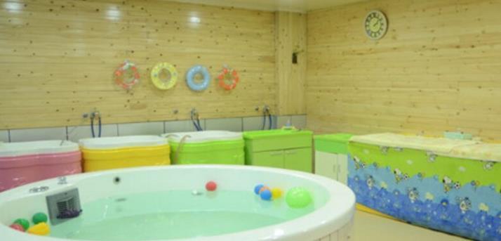 帅微婴童生活馆泳池