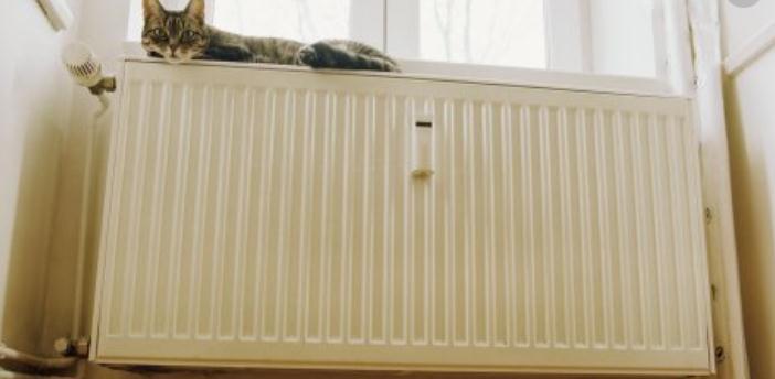 三葉暖氣片臥室