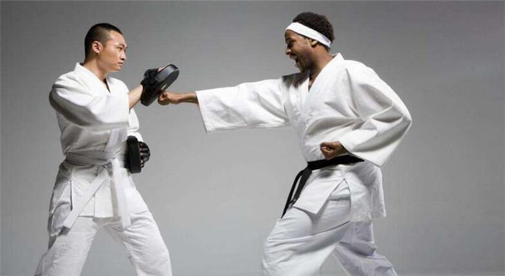 文武跆拳道锻炼