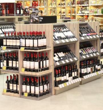 易购超市酒水区