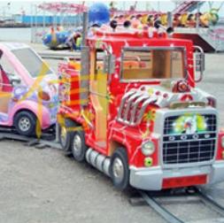 金信游乐设备实拍小火车