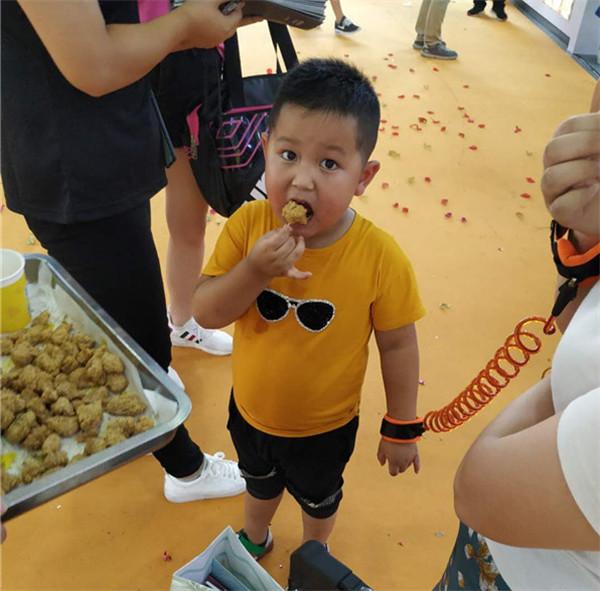 口水鸡排——上海展会