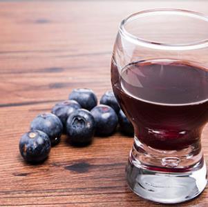 林海雪原蓝莓酒展示