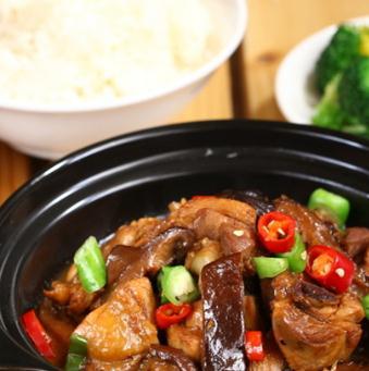 昊研黃燜雞米飯新鮮