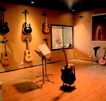 爱之琴吉他培训