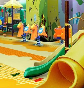 卡卡兔儿童游乐园滑滑梯