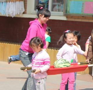 蓝岛双语幼儿园游戏