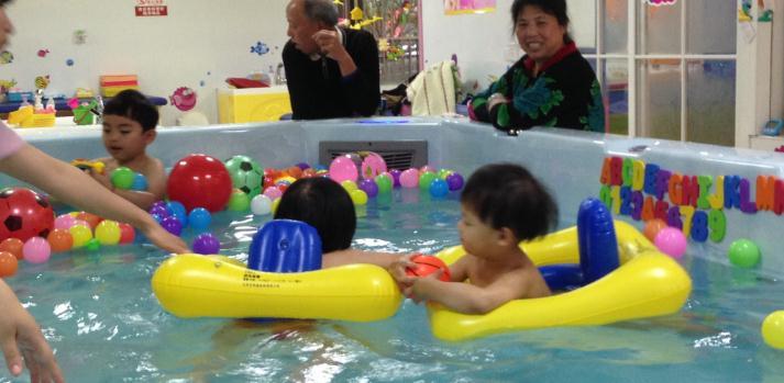 嗨佩兒嬰童生活館玩鬧