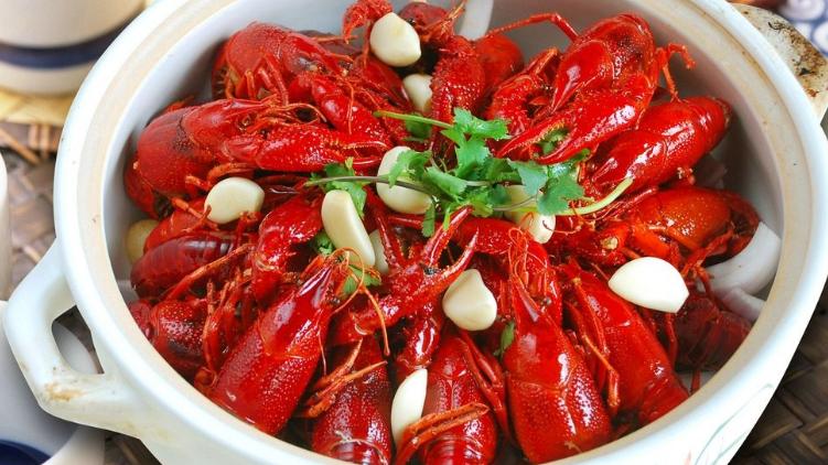 回味麻辣龍蝦加盟