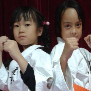 龙俊杰跆拳道国际交流
