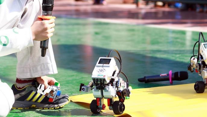 格物斯坦机器人先进