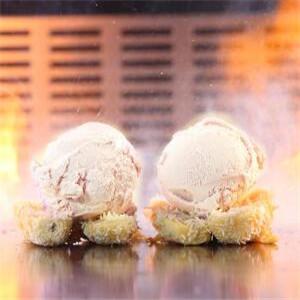 火焰冰激凌甜蜜
