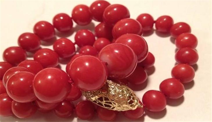 红珊瑚饰品手串