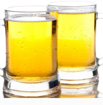百士啤酒色泽
