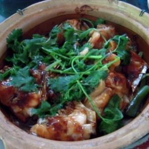 西汗脆皮鸡饭砂锅