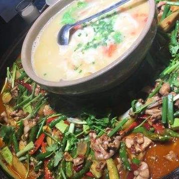 鼎上烧浓汤